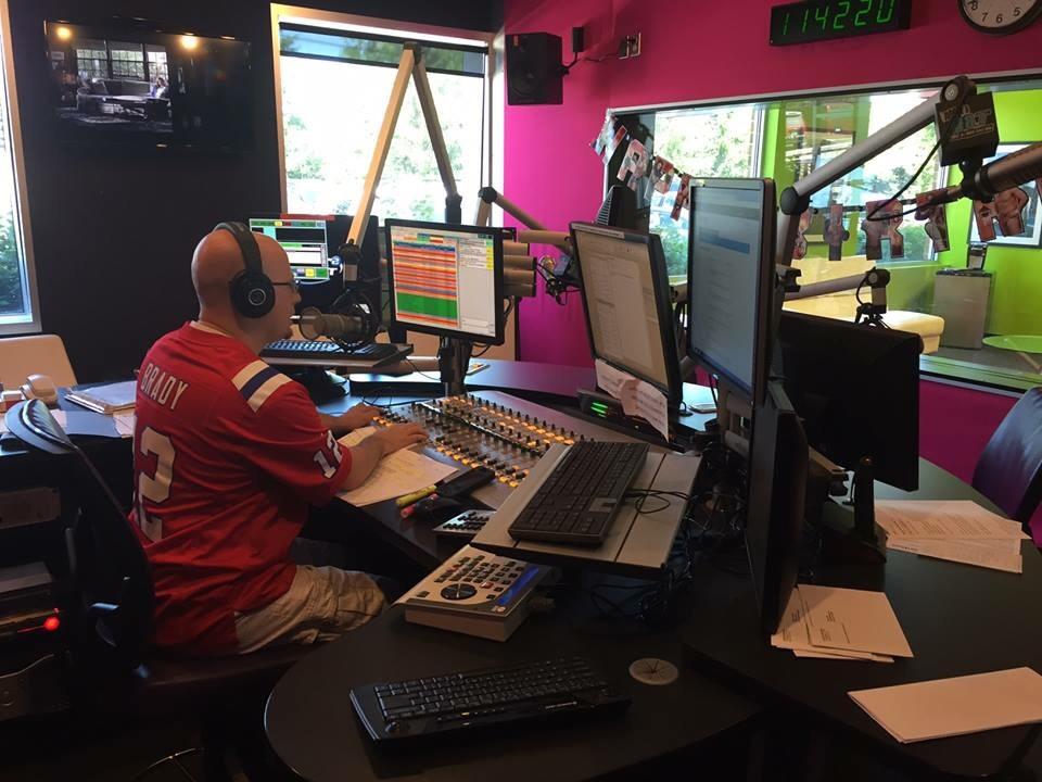 Jag Radio Studio